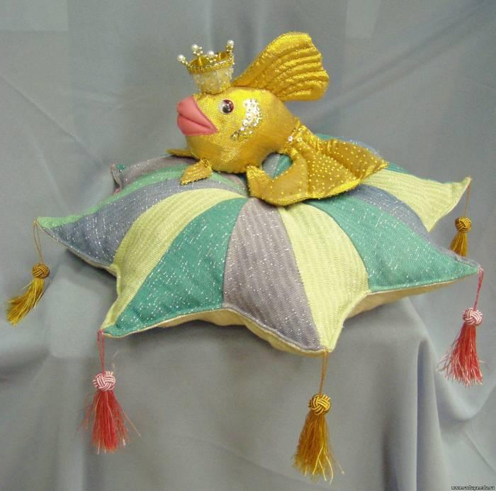 Выкройка золотая рыбка из ткани