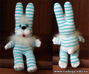 Мягкая игрушка заяц из носков размер